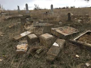 Вслед за США кто-то начал громить еврейские кладбища и в Украине