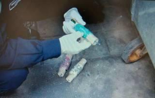 Киевлянка случайно обнаружила в мусорном баке взрывное устройство