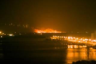 Ночью на окраине Киева произошел грандиозный пожар. В соцсетях даже говорили о взрывах