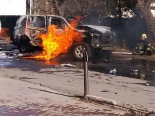 Теракт в Мариуполе: в результате подрыва автомобиля погиб полковник СБУ. Грицак пообещал быстро «отдать долги»