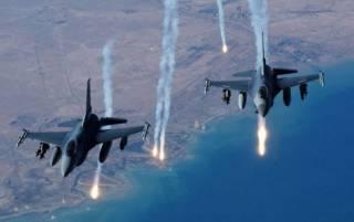 США нанесли серию ракетных ударов по базе войск Асада в Сирии. В России занервничали