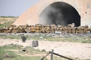 Украинский волонтер обнаружил на российских снимках из сирийского аэропорта контейнеры с химическим оружием