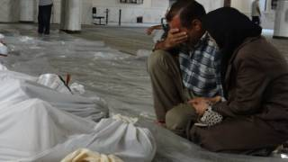 В районе Алеппо приостановлена эвакуация. Возле колонны автобусов прогремел взрыв