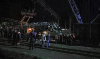 Во Львове столкнулись сразу три поезда. Говорят, спустили вагон не на ту ветку