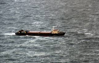 В районе кораблекрушения в Керченском проливе найдены тела трех моряков. В Грузии утверждают, что корабль был исправен