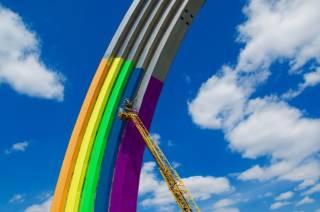 К «Евровидению» Арку дружбы народов обклеят цветной бумагой
