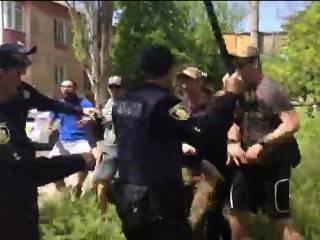 1 мая в ряде городов Украины отметили праздничным мордобоем