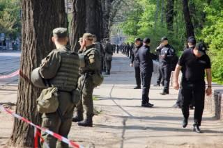 Одесские правоохранители были вынуждены эвакуировать людей с Куликового поля. СБУ рапортует о задержании террористов