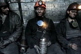 На Днепропетровщине шахтеры отказались подниматься на поверхность после ночной смены