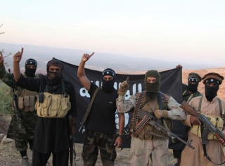 СМИ: В Сирии снайперы ИГИЛ пользуются российской спецтехникой