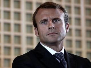 Макрон официально стал победителем выборов президента Франции и теперь собирает поздравления со всех сторон