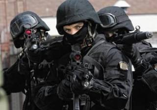 Спецназ взял под контроль харьковский поселок, где произошел вооруженный конфликт между чеченцами и цыганами