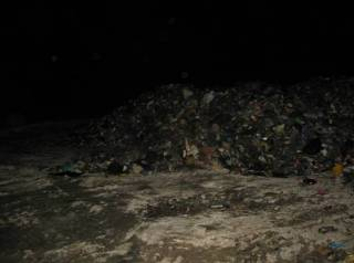 Львовский мусор продолжает путешествие по Украине. На этот раз бдительные граждане засекли его под Киевом