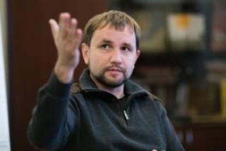 #Темадня: Соцсети и эксперты отреагировали на предложение Вятровича разорвать связи с родственниками, живущими в России