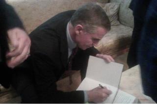 Первый космонавт Украины Леонид Каденюк презентовал свою книгу