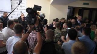 Бойцы добробатов взяли Киевсовет штурмом и выбили себе статус участников боевых действий