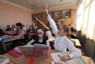 Боевики «ДНР» «убедили» все средние школы отказаться от украинского языка