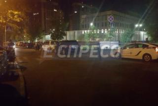В Киеве на территории посольства США прогремел взрыв