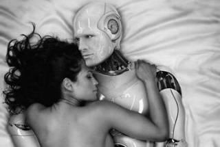 Новинки научпопа: почему мы не пуп Земли, как выбрать робота-партнера и зачем бабочке глазки на пенисе
