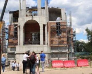 Главы региональных армянских общин Украины посетили строительство собора в Киеве