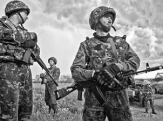 Введут ли в Украине военное положение: прогнозы экспертов