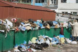 Садовый передал полномочия по вывозу мусора областным властям. Город должны очистить за 20 дней