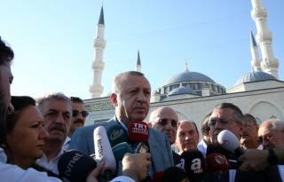 Эрдоган упал в обморок во время утренней молитвы. Говорит, давление подскочило