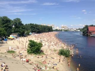 Киевлянам рассказали, на каких пляжах лучше не купаться