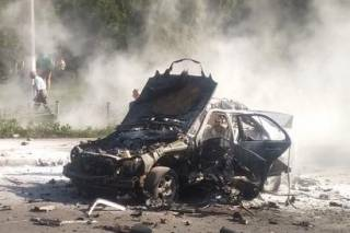 В киевском спальнике на полном ходу взорвался автомобиль. Водитель погиб на месте