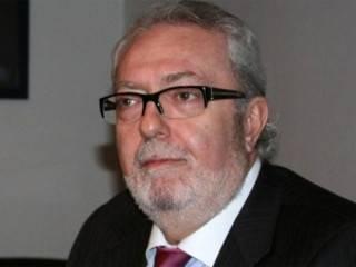 ПАСЕ приняла изменения в регламент, позволяющие объявить импичмент своему президенту. Аграмунт не дождался и сбежал в Испанию