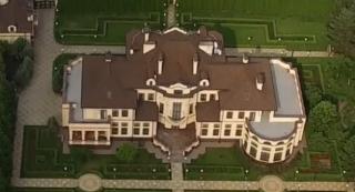 Нардеп Яценко переписал на тестя шикарный особняк и недвижимость на $10 млн.