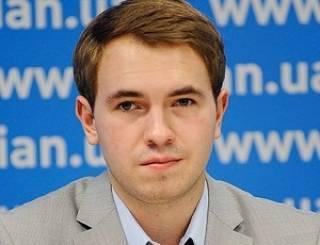 Вместо ответов на неудобные вопросы Лозовой призвал Луценко поклониться его мощам и уличил в утаивании холодного оружия