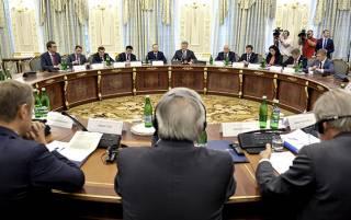 Порошенко хочет, чтобы следующие саммиты Украина-ЕС прошли в Ялте и Донецке
