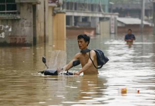 В Китае из-за затяжных ливней погибли 8 человек