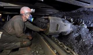 На Луганщине 70 горняков утроили забастовку под землей. Люди требуют погасить долги по зарплате