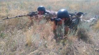 Украинские пограничники на границе с оккупированным Крымом учатся стрелять и деблокировать колонну