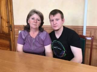 Агеева встретилась с сыном и поняла, что «люди не должны стрелять друг в друга». В СБУ ей предложили рассказать это Путину