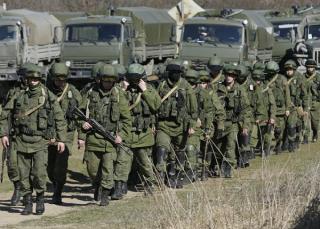 Россия подтягивает к украинской границе ударные дивизии
