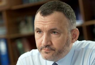 По словам Кузьмина, суд обязал СБУ расследовать госизмену Порошенко