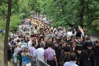 В сегодняшнем Крестном ходе УПЦ участвовало более 100 тыс верующих
