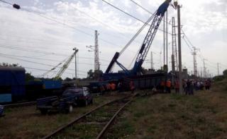Под Днепром грузовой состав сошел с рельсов. Пришлось изменять маршруты ряда поездов