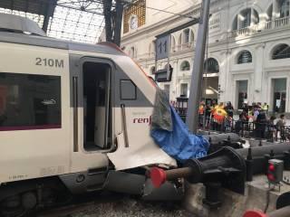 В Барселоне электричка врезалась в перрон, пострадали 48 человек. Пятеро - в тяжелом состоянии