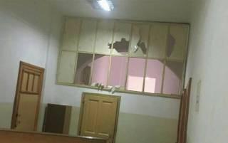 Пациент львовской психбольницы взял заложников, порезав стеклом 10 человек