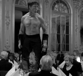 Фильм «Квадрат»: «Майдан» как насмешка над бедняками