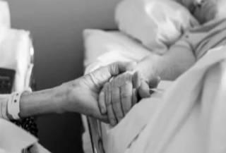 В Нидерландах прожившие 65 лет вместе супруги умерли в один день. От эвтаназии