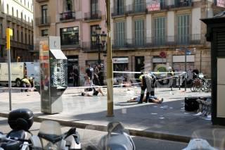 ИГИЛ взяло на себя ответственность за теракт в Барселоне. Один подозреваемый задержан, второй ликвидирован