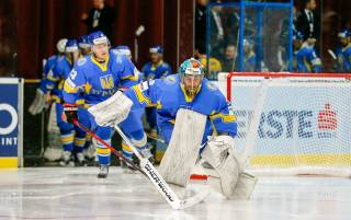 СМИ утверждают, что несколько хоккеистов сборной Украины «сливали» матч на домашнем ЧМ