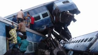 В Индии сошли с рельсов шесть вагонов пассажирского поезда. Погибли 23 человека