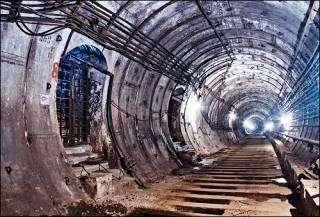 Полиция задержала иностранца, разгуливавшего по туннелю киевского метро