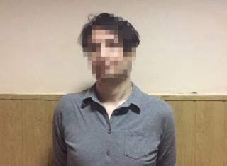 Иностранец угрожал ножом пассажирам Киевского метрополитена